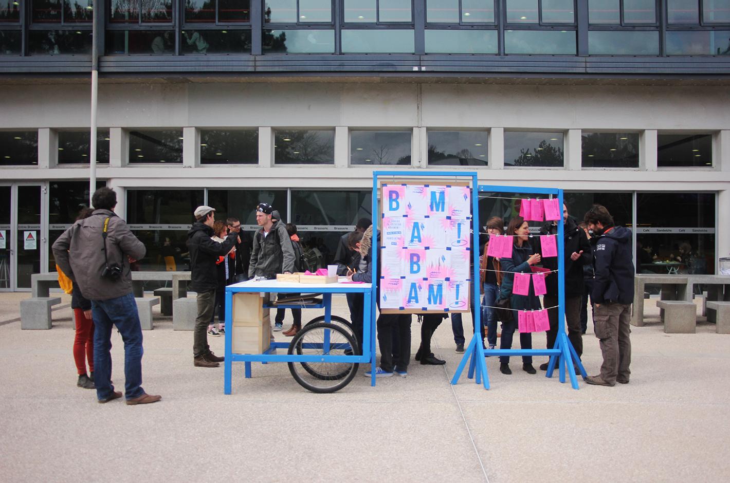 BAM ! La Bouloie en Agitation Maximum - Besançon - Campus de la Bouloie - meuble et affiche 2 points de vues